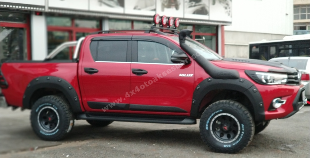 Toyota Hilux 2019 Aksesuar Set Halinde